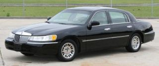 2000 Lincoln Town Car Cartier Black With Tan Sedan 4 - Door 4.  6l photo