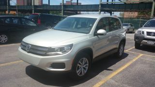 Wolkswagen Tiguan 2013 photo