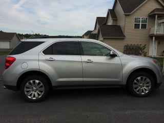 2010 Chevrolet Equinox Lt Sport Utility 4 - Door 3.  0l photo