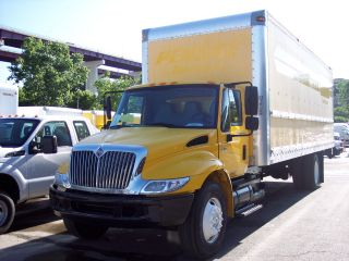 2007 International 4300 - 26ft Box Truck With Liftgate photo