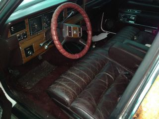 1988 Lincoln Town Car Base Sedan 4 - Door 5.  0l Limo photo