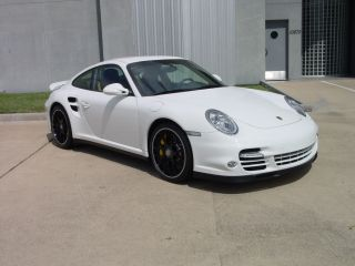 2011 Porsche 911 Turbo S Coupe photo