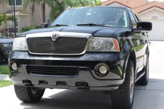 2004 Lincoln Navigator Ultimate Sport Utility 4 - Door 5.  4l photo