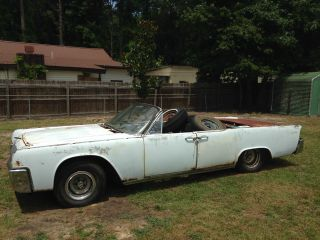 1962 Lincoln Continental Convertible photo