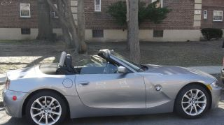 2007 Bmw Z4 24k Milage Garage Kept Grey Black Interior photo