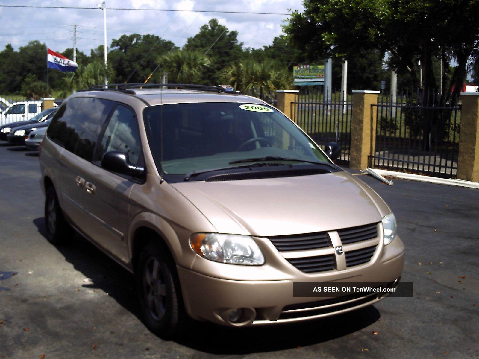 2005 Dodge Grand Caravan Sxt Mini Passenger Van 4 - Door 3.  8l Grand Caravan photo