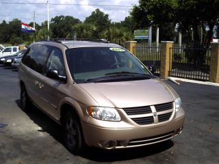2005 Dodge Grand Caravan Sxt Mini Passenger Van 4 - Door 3.  8l photo