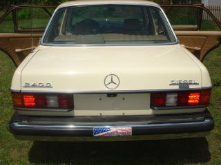 1982 Mercedes 240d Can Run On Vegetable Oil At A Switch Of Button Only 3 Owners photo