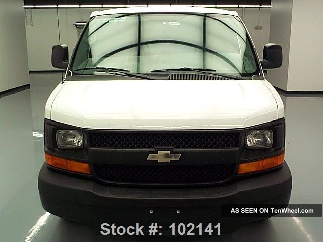 2013 chevy express 1500 cargo van v6 partition only 15k texas direct auto. Black Bedroom Furniture Sets. Home Design Ideas