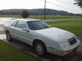 1989 Chrysler Lebaron Gt Coupe 2 - Door 2.  5l photo