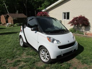 2008 White Smart Fortwo Pure Passion Coupe 2 Door W / Panoramic Fun Car photo