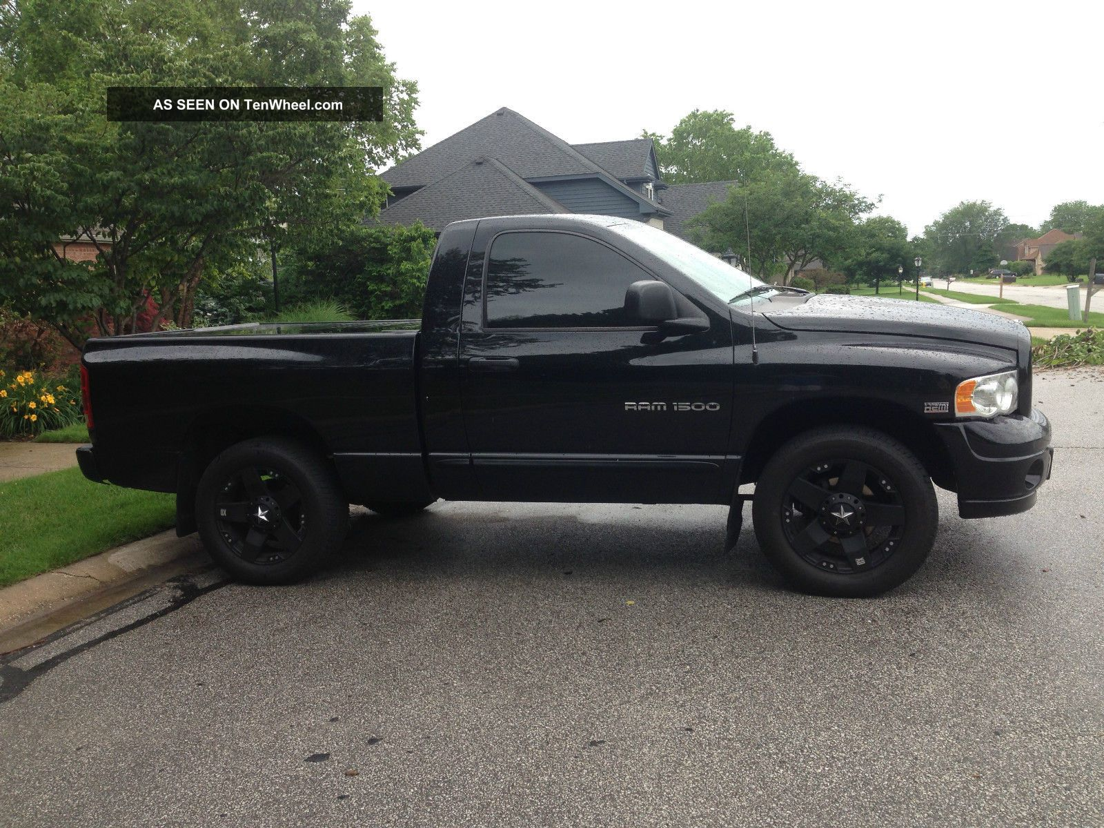 2005 dodge ram 1500 laramie hemi 5 7l 4x4 pickup truck. Black Bedroom Furniture Sets. Home Design Ideas