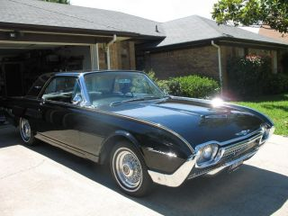 1962 Ford Thunderbird photo