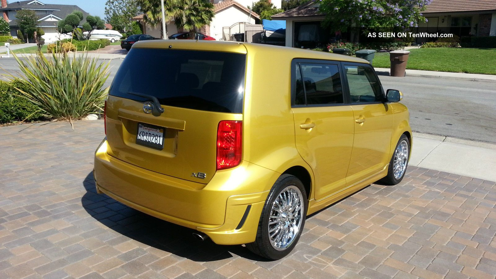 2008 scion xb limited edition in gold color only 2500 units in america. Black Bedroom Furniture Sets. Home Design Ideas