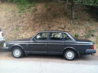 1991 Volvo 240 Dl 4 Door Sedan Charcoal Gray And Black photo
