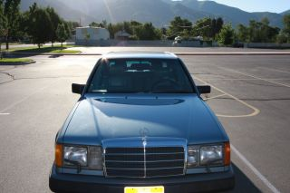 1987 Mercedes Benz 300d Turbo Diesel Sedan W124 photo
