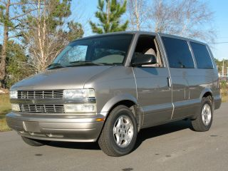 2005 Chevrolet Astro Ls Extended Passenger Van 3 - Door 4.  3l photo