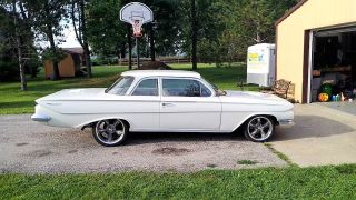 1961 Chevrolet Biscayne photo