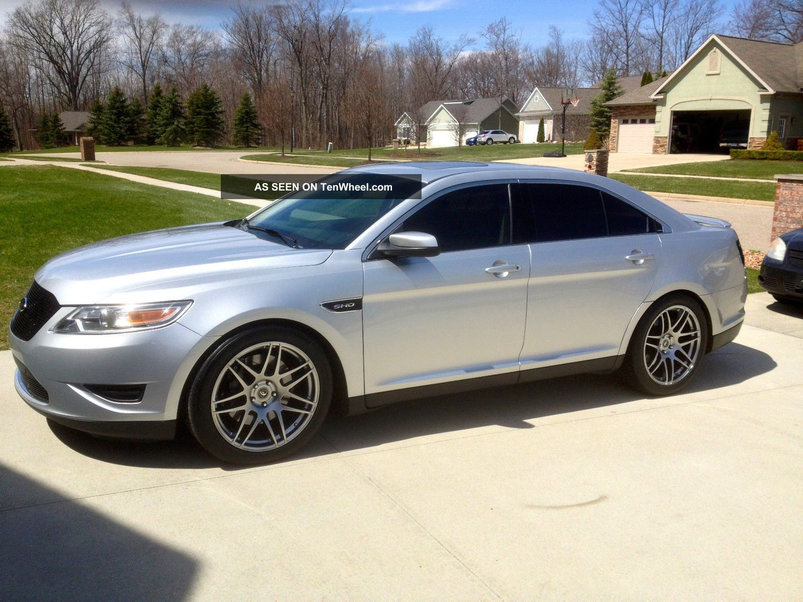 2011 Ford Taurus Sho - Livernois Motorsport Modified Worlds