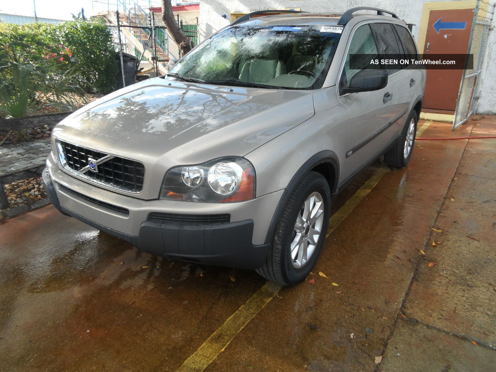 2004 volvo xc90 2 5t suv 4 door 2 5l automatic turbocharged no accidents. Black Bedroom Furniture Sets. Home Design Ideas