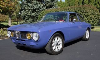 Alfa Romeo Gtv 2000 1750 photo