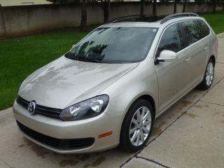 2013 Volkswagen Jetta Tdi Wagon 4 - Door 2.  0l photo