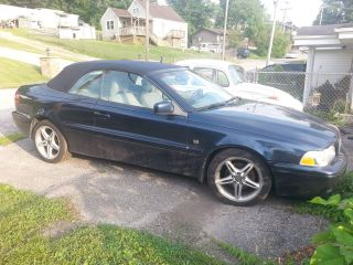 2001 Volvo C70 Convertible photo