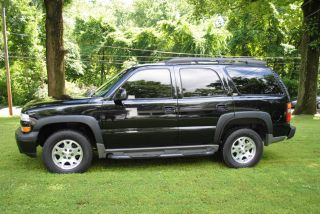 2002 Chevrolet Tahoe Z71 All Black And Very photo