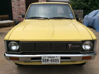 1981 Toyota Pickup Hilux 22r,  5 - Speed,  Longbed,  Good Cond.  Minimal Rust Newparts photo