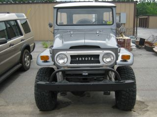 1970 Fj40 Jeep Silver photo