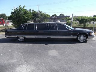 1995 Cadillac Fleetwood Superior Limousine Sedan 6 - Door 5.  7l photo