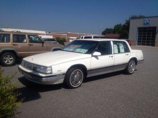 1989 Buick Electra Park Avenue Sedan 4 - Door 3.  8l photo