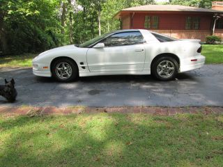 2000 Pontiac Firebird Base Coupe 2 - Door 3.  8l photo