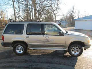 2000 Ford Explorer Xlt 4x4 4 - Wheel Drive All Wheel Drive Awd 4 Door photo