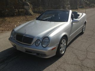2002 Clk320 Cabriolet Incredbly Tires And To Your Door photo