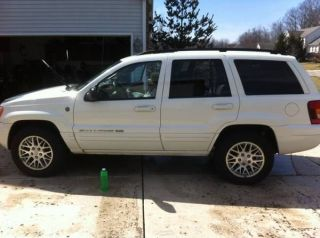 2004 Jeep Grand Cherokee Limited Sport Utility 4 - Door 4.  7l photo