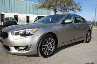2014 Kia Cadenza 3.  3l Navi Heated Sirus Hd Radio Camera photo