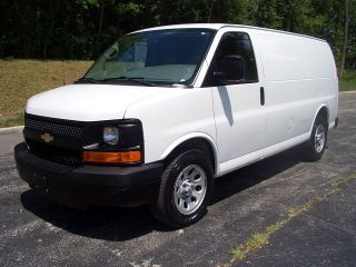 2009 Chevy Express 1500 Cargo Van Fleet Maintained photo