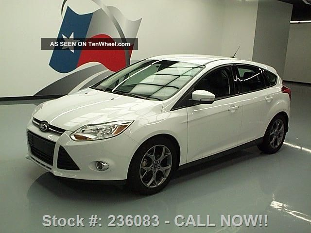 2013 ford focus se hatchback sync alloys 35k mi texas direct auto. Black Bedroom Furniture Sets. Home Design Ideas