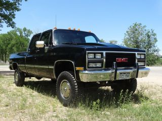 1990 V3500 / K30 Crew Cab,  3+3,  4x4,  Fleetside photo