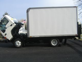 2000 Gmc White Box Truck With Automatic Lift Gate photo