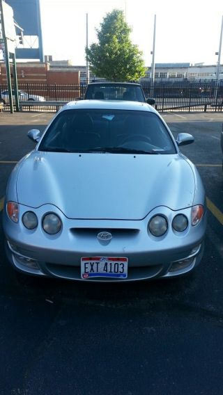2001 Hyundai Tiburon Base Coupe 2 - Door 2.  0l photo