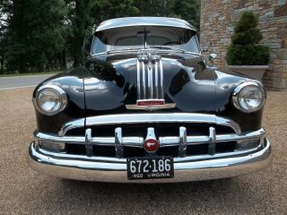 Lqqk 1950 Pontiac Chieftain De Luxe 4 Door / Silver Streak Straight 8 / photo