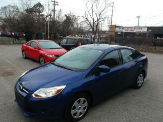 2012 Ford Focus S  Fiesta Cruze 200 Avenger Corolla Civic Sentra photo