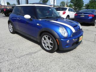 2006 Mini Cooper S.  Automatic,  Hid Lights, , .  Car photo
