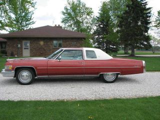 1976 Cadillac Coupe De Ville photo