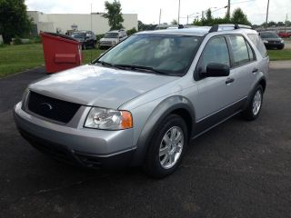 2005 Ford Freestyle Se Wagon 4 - Door 3.  0l photo