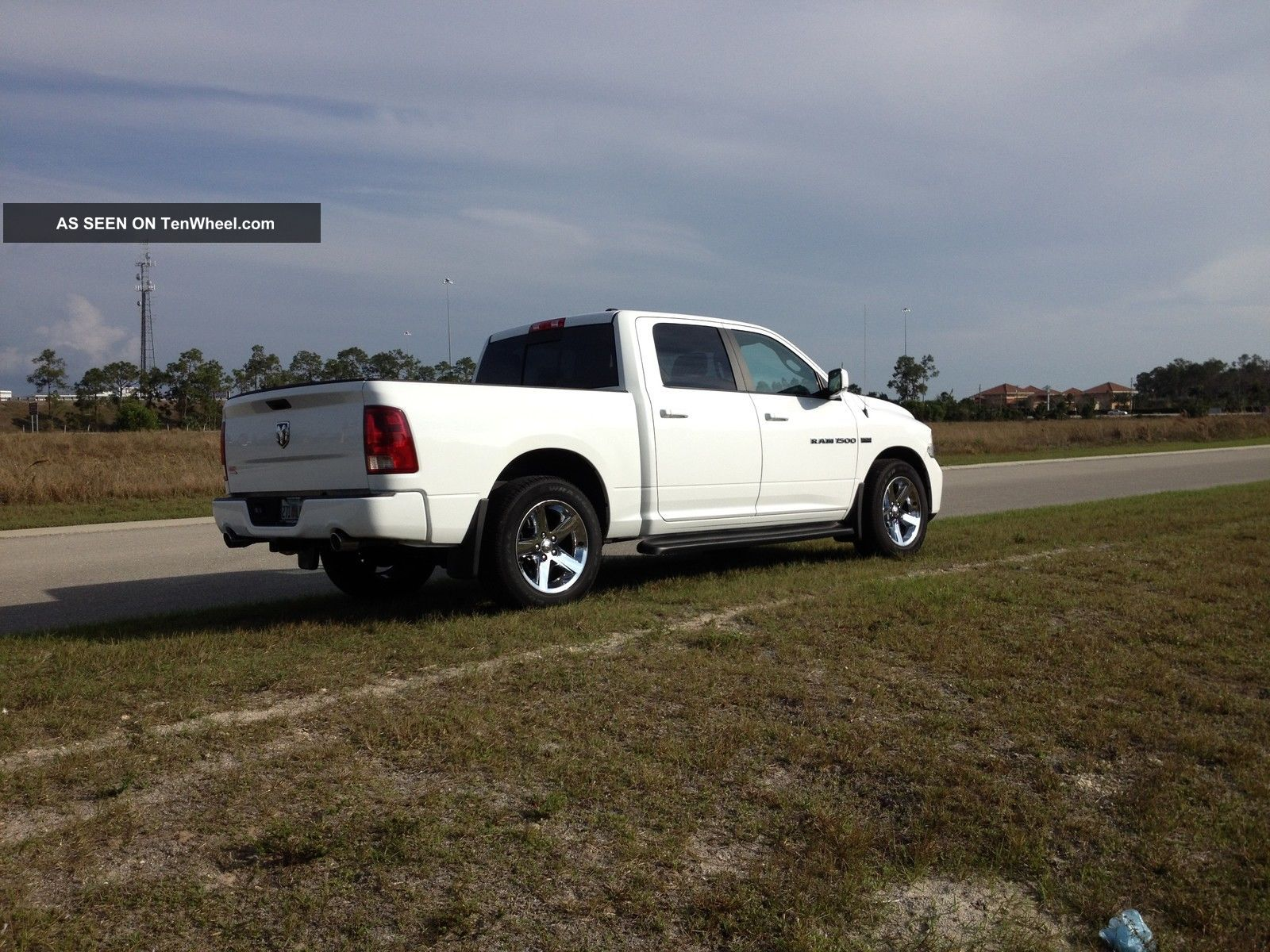 2011 Dodge Ram 1500 4x2 Sport Crew Cab Pick Up Truck