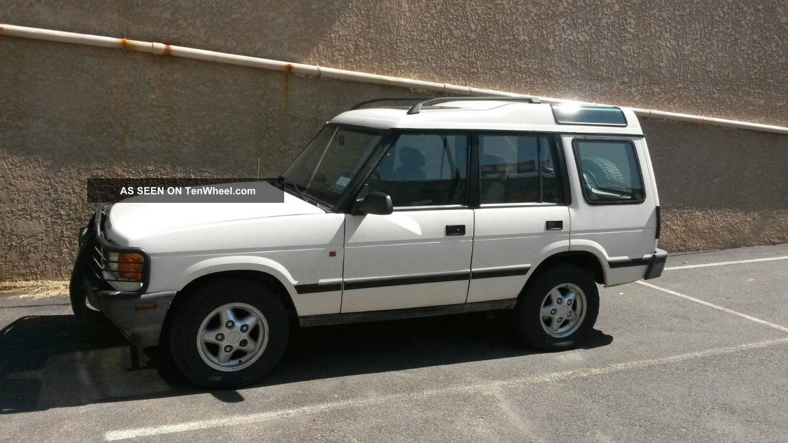 1996 Land Rover Discovery Sd Sport Utility 4 - Door 4.  0l Discovery photo