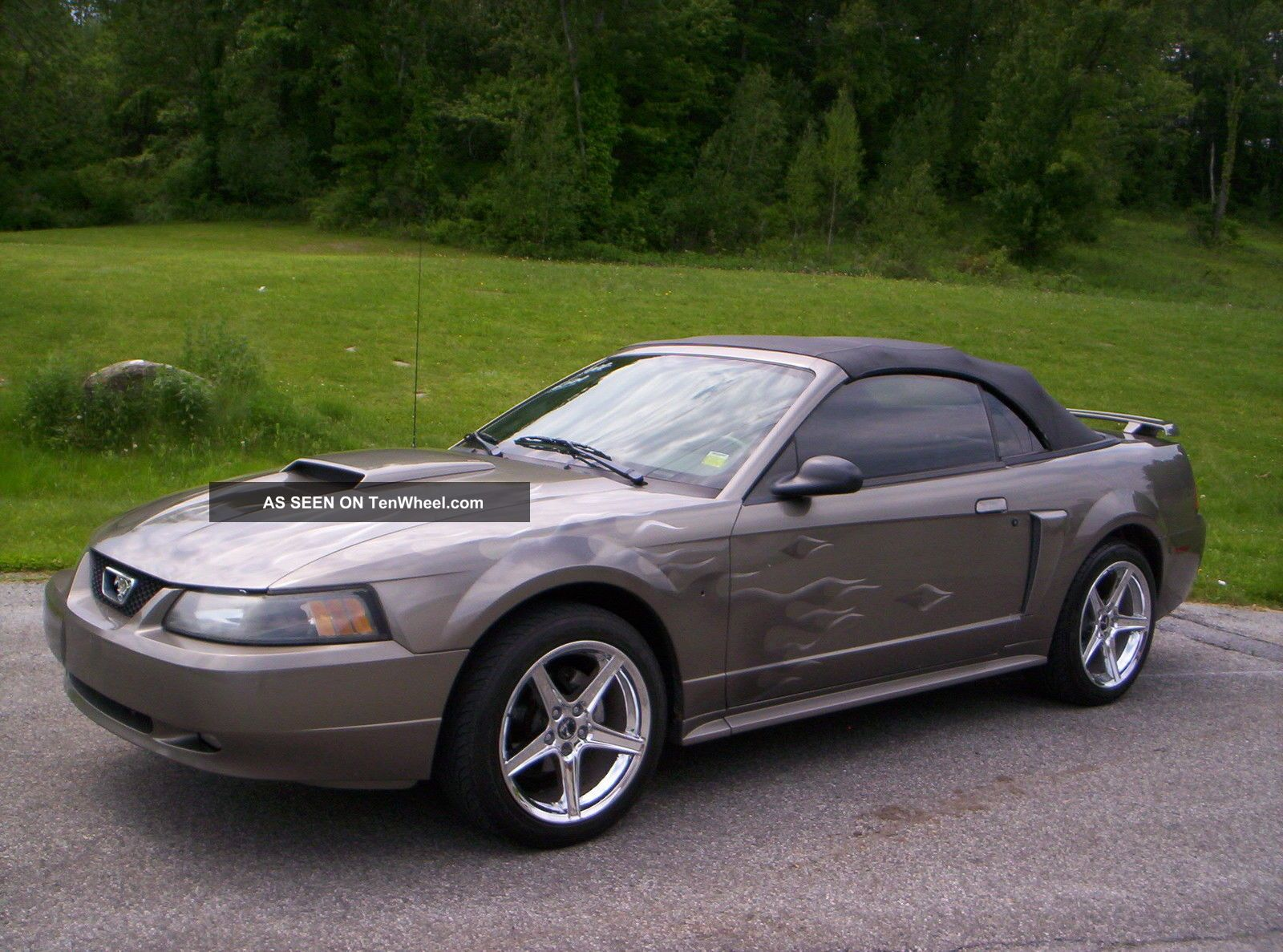 ford mustang gt convertible  speed mach  stereo